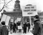 """Pickets supporting and opposing the Viet Nam war"""